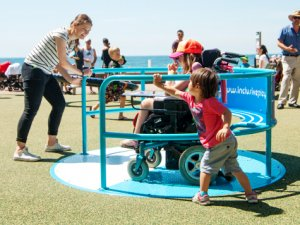 Wheelspin playground equipment